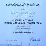 Leczenie operacyjne mikrochirurgiczne.